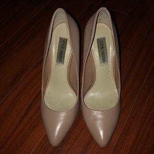 Dusty pink Steve Madden pointy toe high heels.